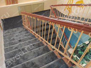 Купить ковролин на деревянную лестницу