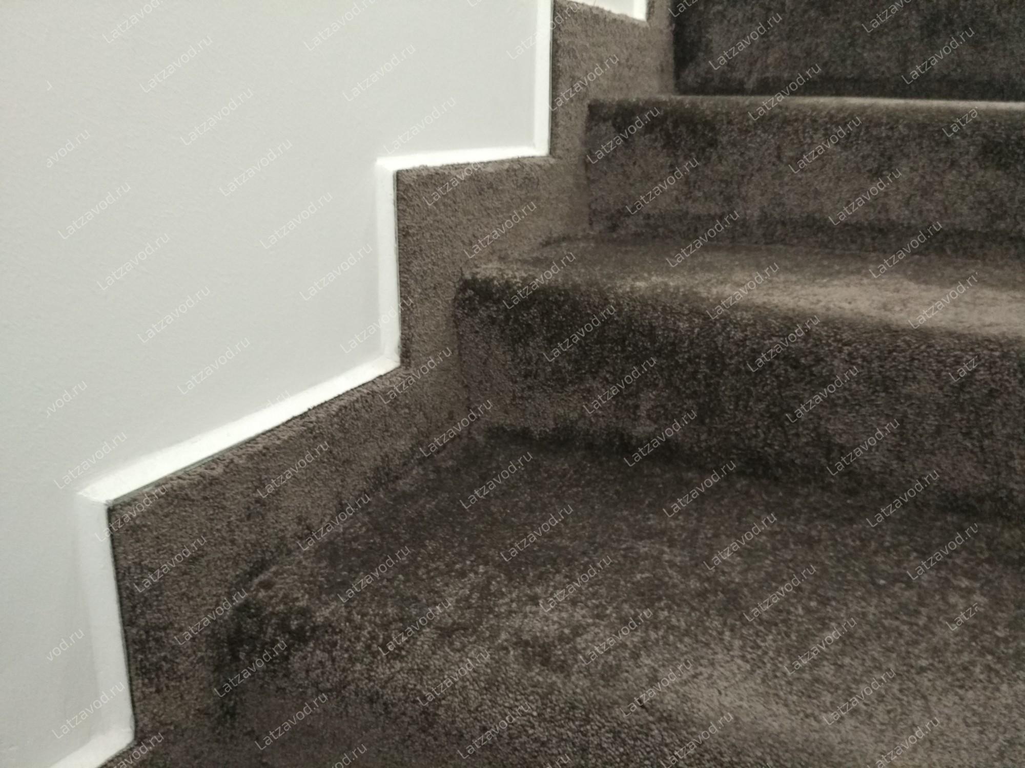 Купить ковролин на бетонную лестницу